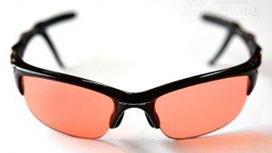 目の紫外線対策にサングラスを着用しましょう